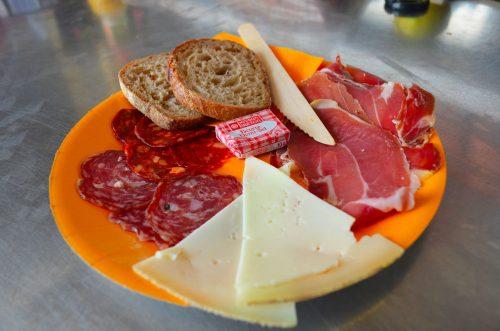 L'assiette Basque lors de la Tchanquée