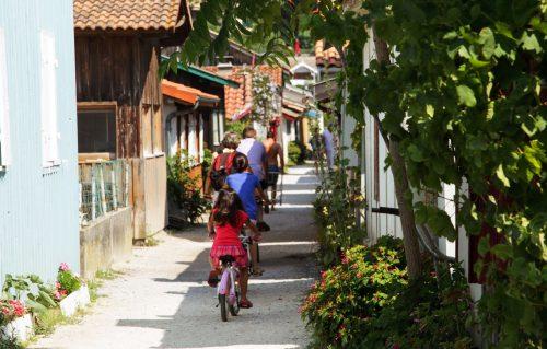 Circuit dans un village ostréicole du Cap Ferret